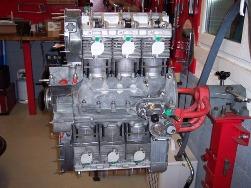 MJ TECHNIC SPECIALISTE PORSCHE RESTAURATION PORSCHE 911 2.4L S MOTEUR ET BOITE 915 MAGNESIUM (41)