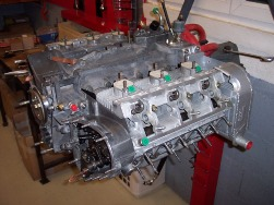 MJ TECHNIC SPECIALISTE PORSCHE RESTAURATION PORSCHE 911 2.4L S MOTEUR ET BOITE 915 MAGNESIUM (43)