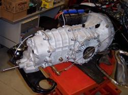 MJ TECHNIC SPECIALISTE PORSCHE RESTAURATION PORSCHE 911 CARRERA 2.7L ET BOITE 915 MAGNESIUM (27)
