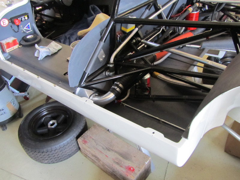 MJ TECHNIC SPECIALISTE RESTAURATION PORSCHE 910 (50)