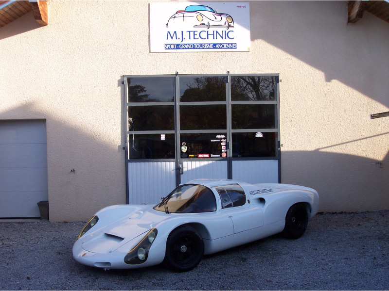 MJ TECHNIC SPECIALISTE RESTAURATION PORSCHE 910 (82)